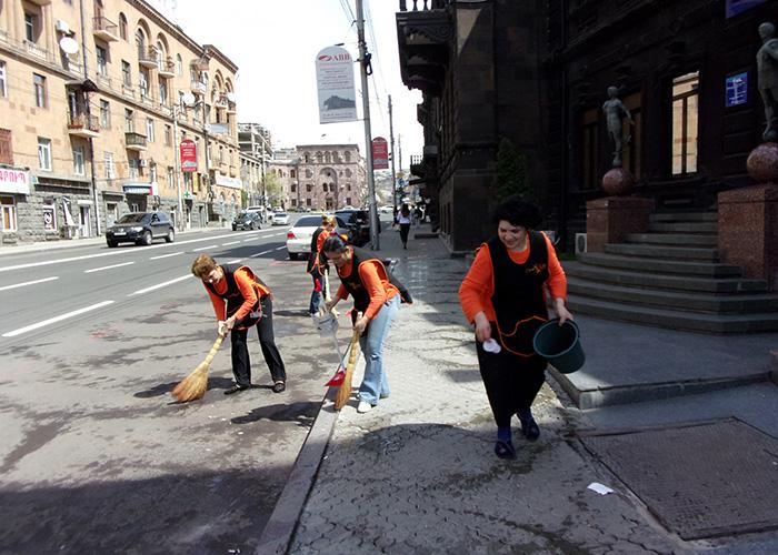 """""""Клин Лайн"""" придает важное значение надлежащей уборке общественных территорий столицы"""